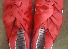احذية ماركات بوما واديداس وتتش اند ام كلهم ثلاثة  دينار