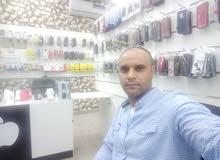 مصري ملتذم حسن المظهر يبحث عن عمل بمجال المطاعم