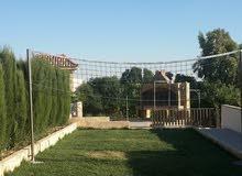 فيلا مميزة للبيع 2 دونم على أرض مرتفعة ذات إطلالة في حسبان