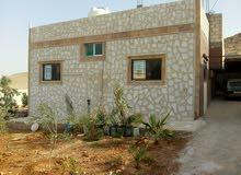 منزل مستقل بناء جديد تشطيب ديلوكس جاهز للسكن مع مزرعه صغيره