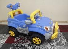 سيارة اطفال تعمل بشحن البطارية السعر 250 ريال