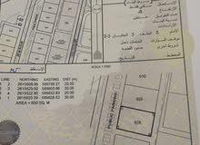 أرض سكنية فرصة في بركاء الصومحان جنوب خلف مارس وقريب مركز الشرطة بوسط الولاية