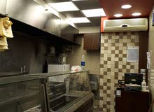 مطعم شاورما وسناكات وبروستد