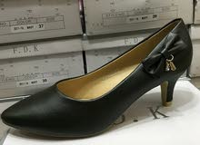 للبيع حذاء كعب منفصل5سم موديل جديد