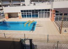 فيلا تاون هاوس في خليفة أ بالقرب من قرية الفرسان مع حمام سباحة و جيم.