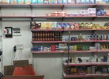 اسواق للبيع مع كافه ملحقاته الماكن 5ميل مقابل الابله عله شارع عام