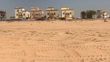اشترى ارضك  لبناء فله مستقله بمنطقه بها بنيان بحى الياسمين