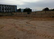 أرض سكنية ماشاءالله في طريق جامعة ناصر بالقرب من صالة ليالينا،  ملك مقدس