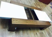 + 1 طاولة...