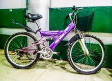 دراجه هوائية صناعه بريطاني انجليزي مستخدم بحالة ممتازه- اسبرنج - جيرات -لون مميز