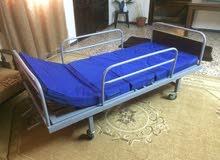سرير طبي مع فرشة طبية جديدة للبيع