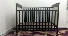 سرير اطفال للبيع بحالة جيدة