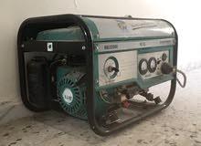 مولد كهربائي يقوة 3300 فولت أمبير, يعطي 2800 وات, بنزينة