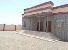للايجار منزل حديث البناء في صحم/ امتداد الصحمي