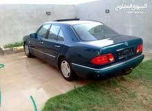 Automatic Green Mercedes Benz 1989 for sale