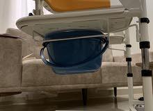كرسي متحرك متعدد الاستخدامات لذوي الاحتياجات الخاصة
