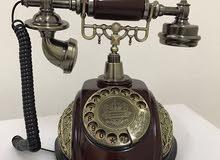 للبيع هاتف جديد بشكل تحفة أثرية