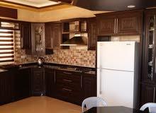 صيانة مطابخ الخشب زجاج مكسور... صيانة مفصلات. .صيانة أبواب حديد ...تفصيل مطا
