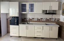 مطبخ جاهز مستعمل بالشفاط والكوشه ولوندينو استعمال بسيط جدا