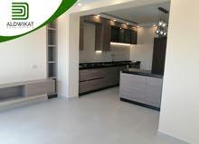 شقة طابق اخير مع روف دوبلكس طابقية للبيع في ام اذينة مساحة البناء 270 م مساحة التراس 130 م