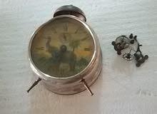 ساعة منضدية قديمة جدا +ساعة أم الرقاص مفككةقديمة جدا