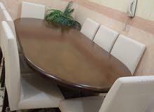 للبيع طاولة طعام خشب ماليزي