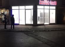 محل حلاقة جديد  الرجال في روي شارع هوندا