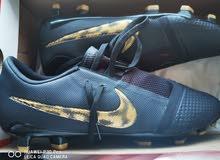حذاء رياضي لكرة القدم رقم 1 بسعر مغري