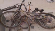 ثلاث دراجات هوائية