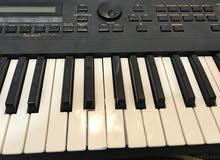 Rolan XP-30 Piano Sythsizer Keyboard