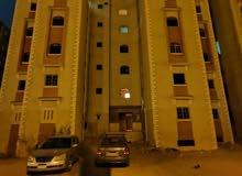 شقة ارضيه كمبوند ميرو سيتي بحديقة بالقرب من الجامعات . استثمار ممتاز