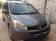 For sale Toyota Siena car in Tripoli
