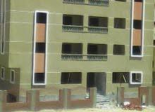 شقة بالحي الثالث بجوار التوحيد والنور وجامعة بدر