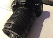 للبيع كاميرة نيكون 5300 دي مع عدسة احترافية 18:140