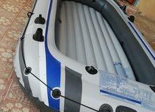 قارب مطاطي قوي