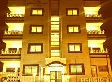 تملك شقة (( تشطيبات رائعة )) القويسمة بلقرب من مجمع الاقصى _ مساحة 142 أرضي + ترس + كراج
