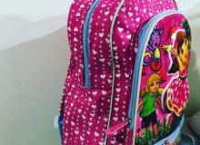 حقائب مدرسية قياس كبير بمختلف الالوان والموديلات للجملة فقط