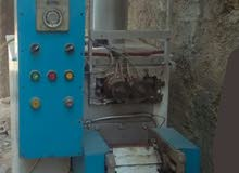 ماكينة تعبئة وتغليف حجميه فل اتوماتيك بحاجه لصيانه