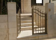 شقة في عبدون 4 نوم + حديقة 150 متر مع كراج ومدخل مستقل