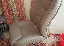 كرسي مكتبي بلون مميز (معقم)