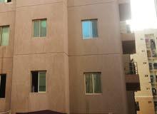 للبيع شقة في الفروانية موقع مميز بالقرب من كناري موجره 285