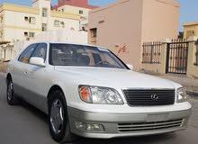 2000- Lexus LS400
