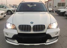 BMW X5 48I very clean car  (تلاتة صفات )