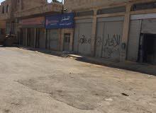 محلات على طريق مطار علياء الدولي بالقرب من منطقة المصانع للإيجار