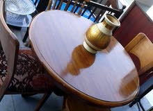 طاولة سفره دائرية خشب زان مع أربع مقاعد لقطه