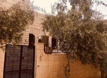 Jabal Tareq neighborhood Zarqa city - 160 sqm house for sale