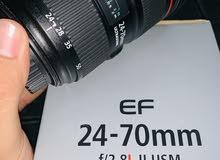 عدسة كانون EF 24-70mm