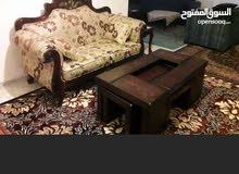 كنب حفر صغير 4 مقاعد تفصيل خشب ممتاز من غير الكنباي الكبيره مع طقم طاوله