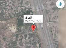 للبيع ارض زراعيه في ابو بقره قريبه جدا من الشارع البحر الجديد وقابله لتحويلها الى سياحيه