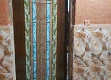بيت طابقين بناء حديث للبيع على الشارع العام منطقة راقية، السعر قابل للتفاوض